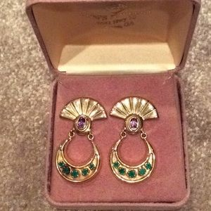 Emerald and amethyst earrings, 14kt, nib